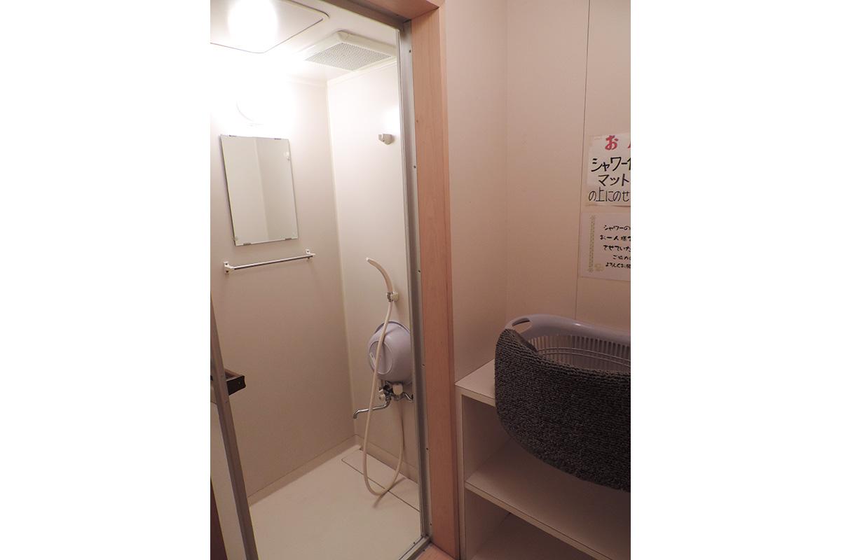 センター内シャワー室